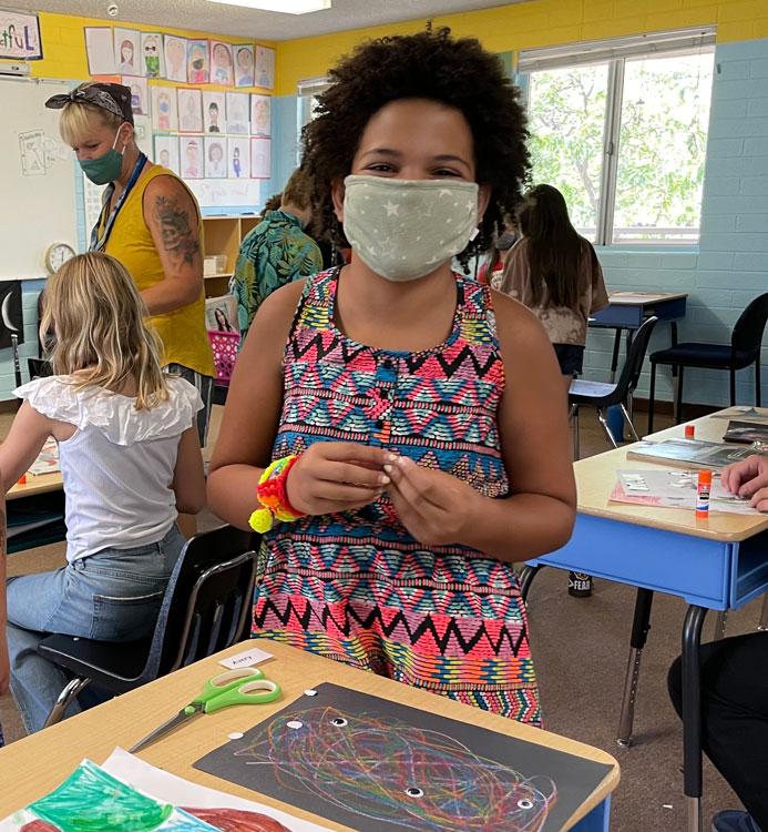 La Tierra Community School student wearing a face mask